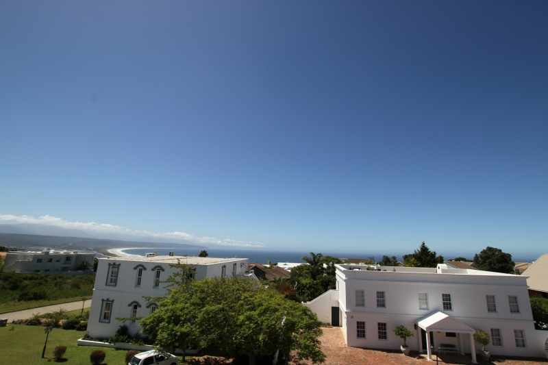 Plettenberg Bay, 4 Bedrooms Bedrooms, ,2 BathroomsBathrooms,Villa,For Sale,1010