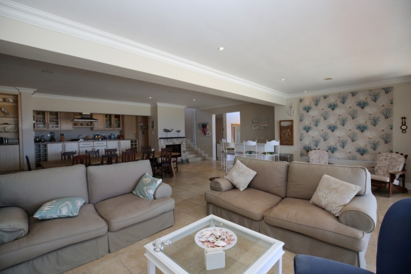 Plettenberg Bay, 4 Bedrooms Bedrooms, ,4 BathroomsBathrooms,Villa,For Sale,1017