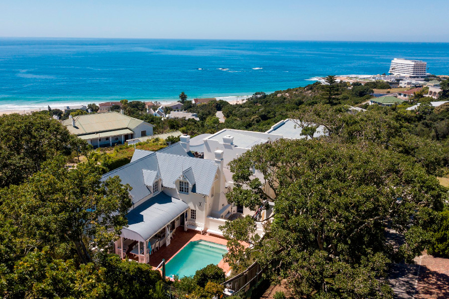 Plettenberg Bay 6600, 6600, 5 Bedrooms Bedrooms, ,5 BathroomsBathrooms,Villa,For Sale,1053
