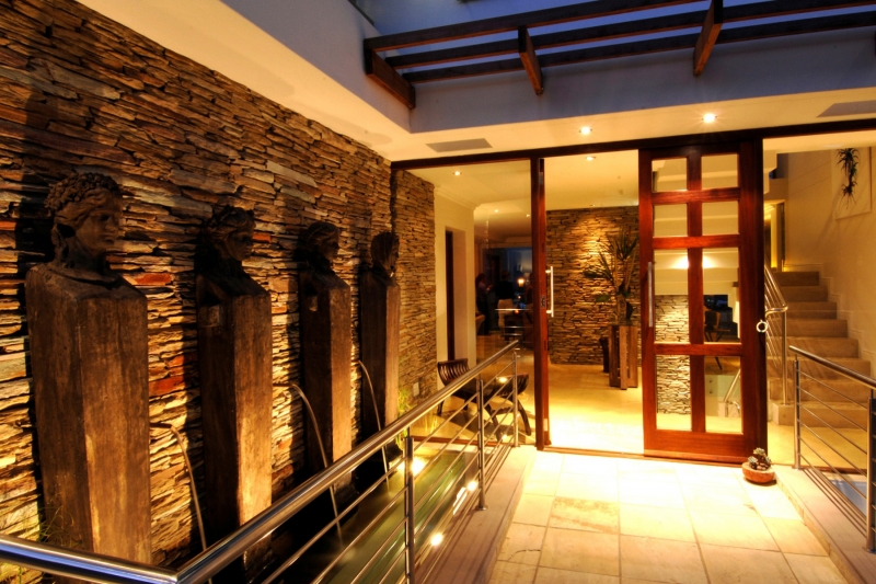Plettenberg Bay, 6 Bedrooms Bedrooms, ,6 BathroomsBathrooms,Villa,For Sale,1002
