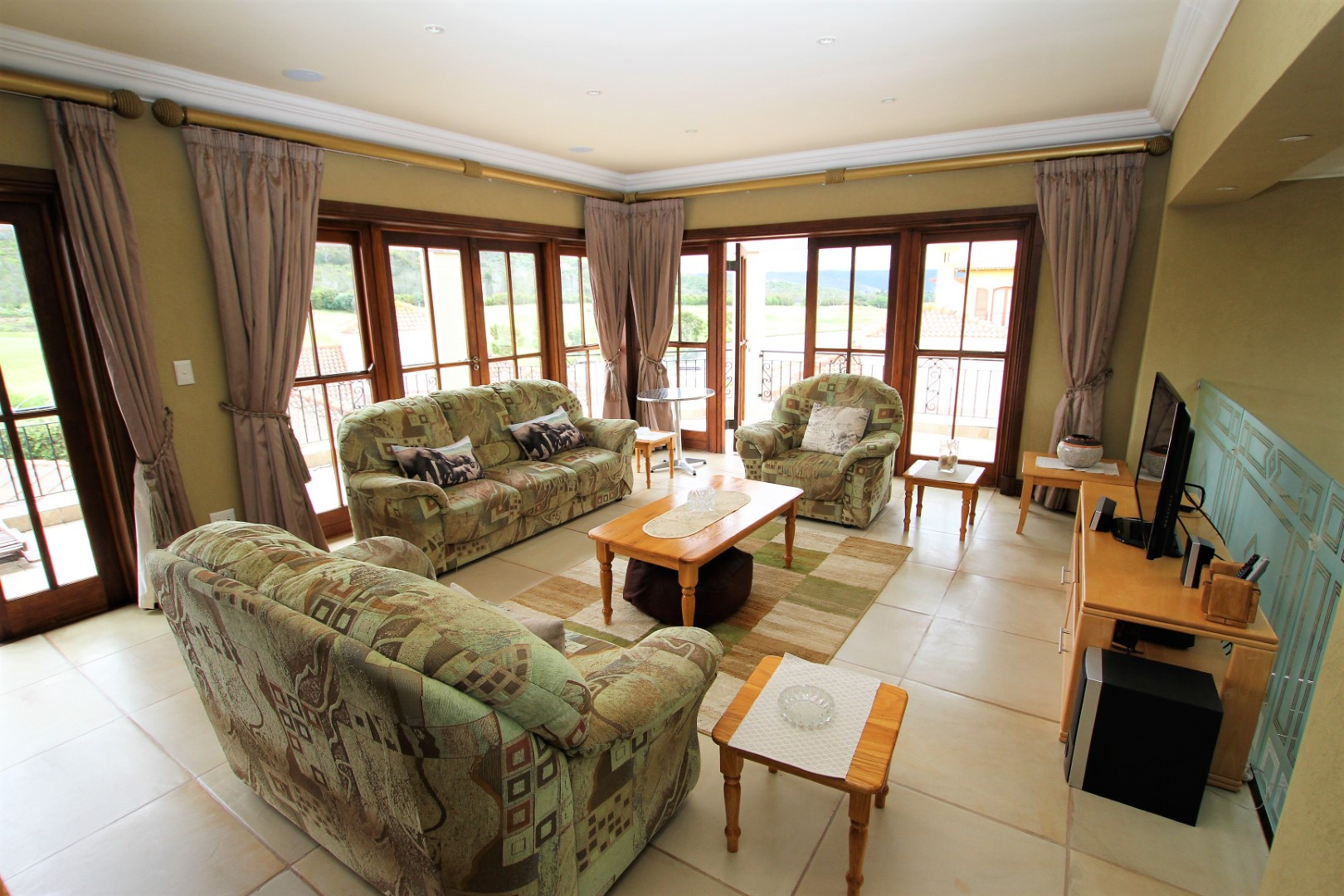 Plettenberg Bay, 6600, 3 Bedrooms Bedrooms, ,3 BathroomsBathrooms,Villa,For Sale,1063